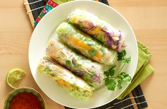 Mango salad rice paper roll