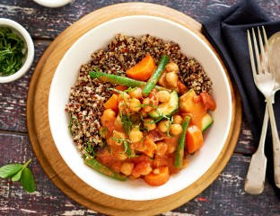 Vegetable Curry With Quinoa