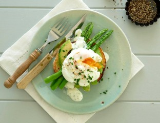 Poached Egg and Asparagus 0002
